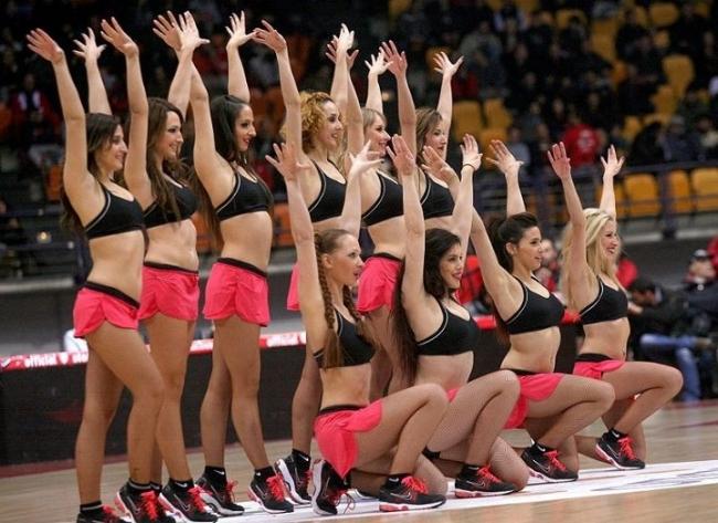 Οι Cheerleaders του Ολυμπιακού
